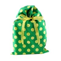 Green-and-gold-metallic-gift-bag