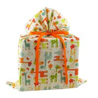 Large-Fabric-Gift-Bag-in-Cream-with-Colorful-Giraffes
