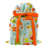 Blue-green-baby-shower-gift-bag-with-colorful-giraffes-standard