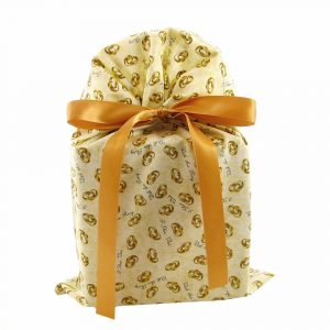 Wedding-rings-ivory-fabric-gift-bag